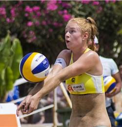 Beachvolleyballerin Viktoria Seeber auf der World Tour in der Türkei