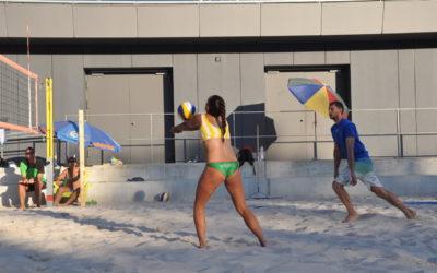 Sechs Beachvolleyball-Turniere an zwei Tagen